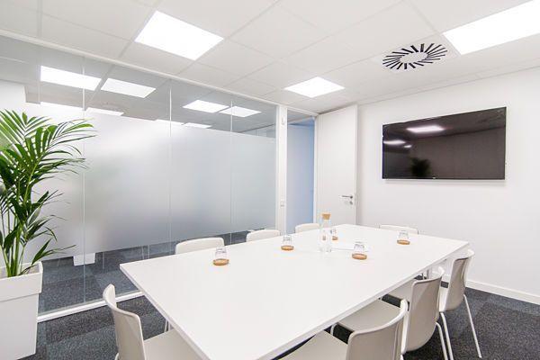 Salas de reuniones 3 oficinas y salas de reuniones en for Oficina virtual barcelona