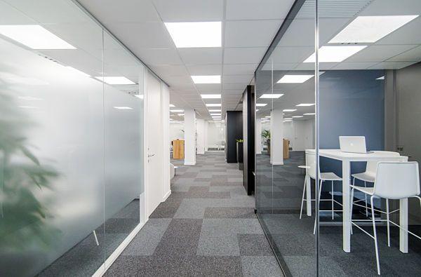 Zonas comunes 4 mitre workspace alquiler de oficinas en for Oficina virtual aguas de barcelona