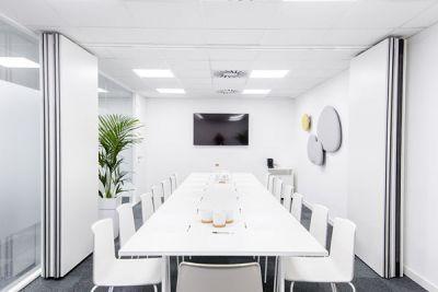 Alquiler de oficinas en Barcelona, Sarrià Sant Gervasi. Salas de reuniones en alquiler. Domiciliacion fiscal para empresas.